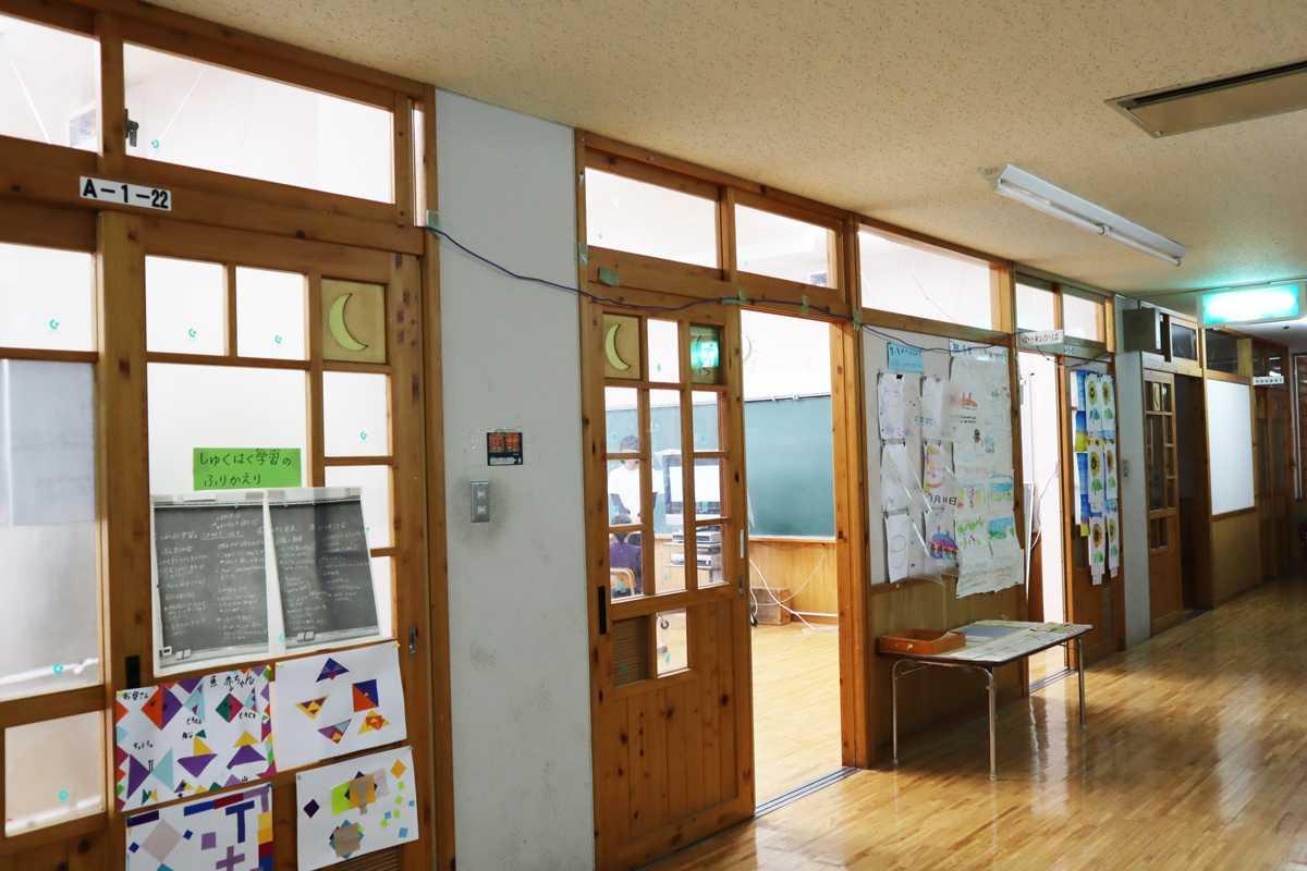 小学部の廊下のイメージ